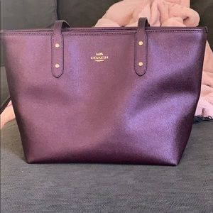 COACH CENTRAL TOTE *BARLEY USED*